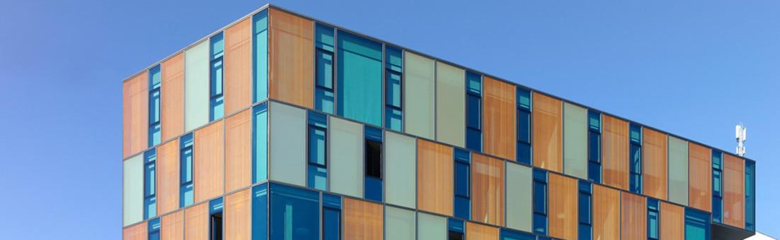 Elementierte Fassade, ACPC Berufsschule in Fribourg